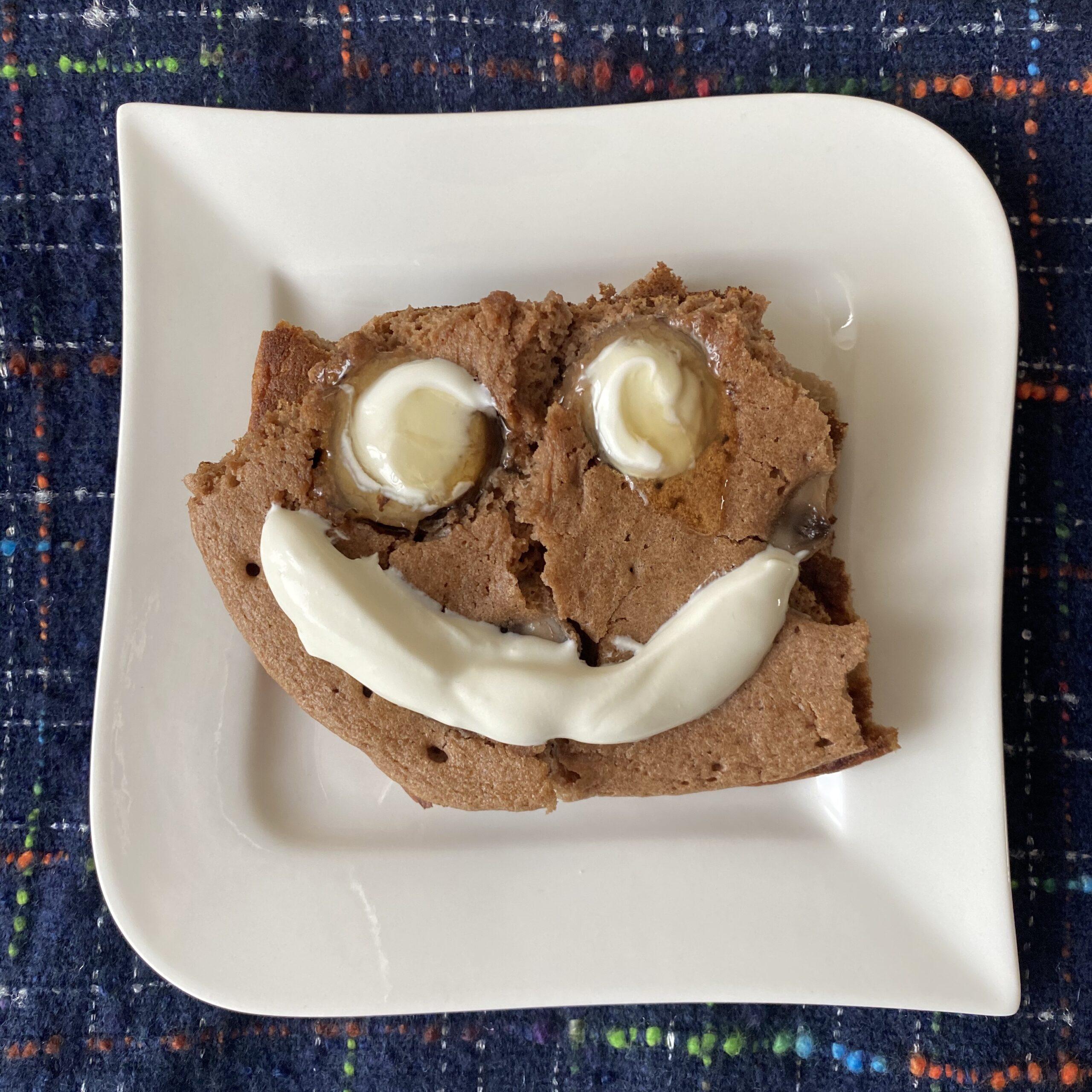 Omlet kakaowy zowocami. Dlaczego warto jeść jajka, alezumiarem?